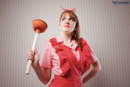 Πως να κάνετε απόφραξη λεκάνης τουαλέτας μόνοι σας